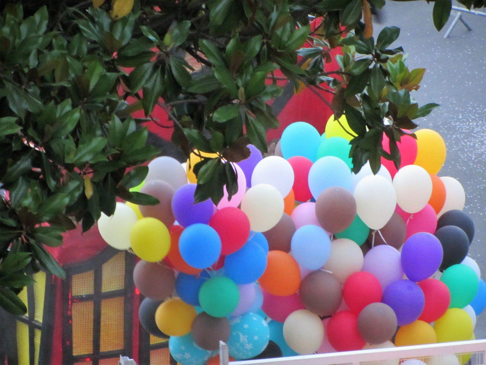 La parade de Monchat est passée sous nos fenêtres samedi.