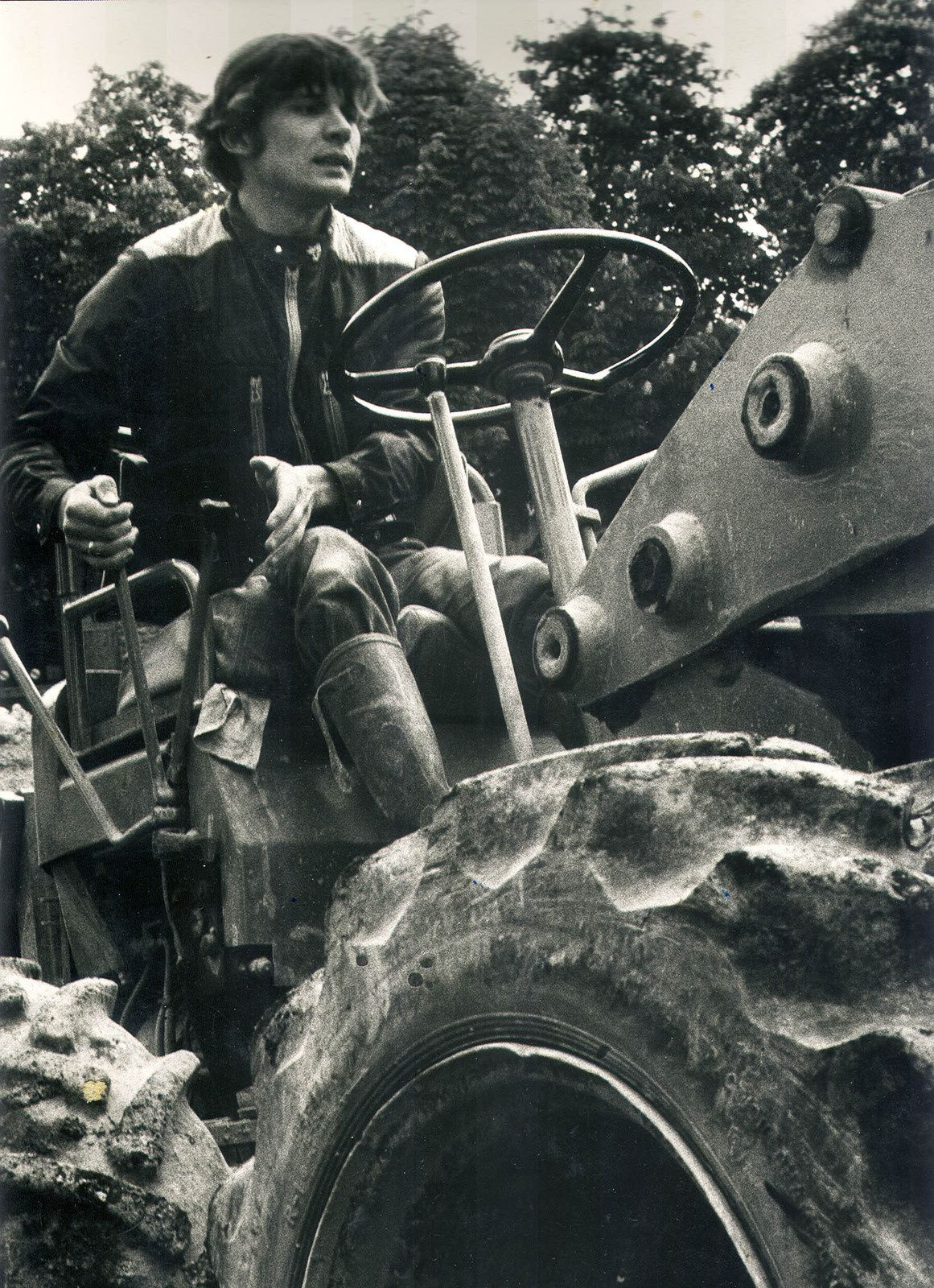 Guy-Claude au tracteur, 1976