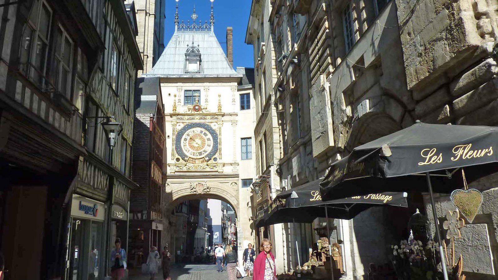 Rouen le Gros horloge.