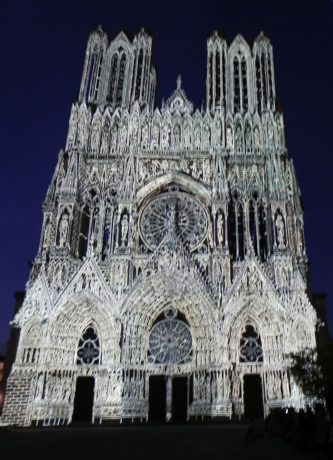 Illumination de la cathédrale de Reims (1)