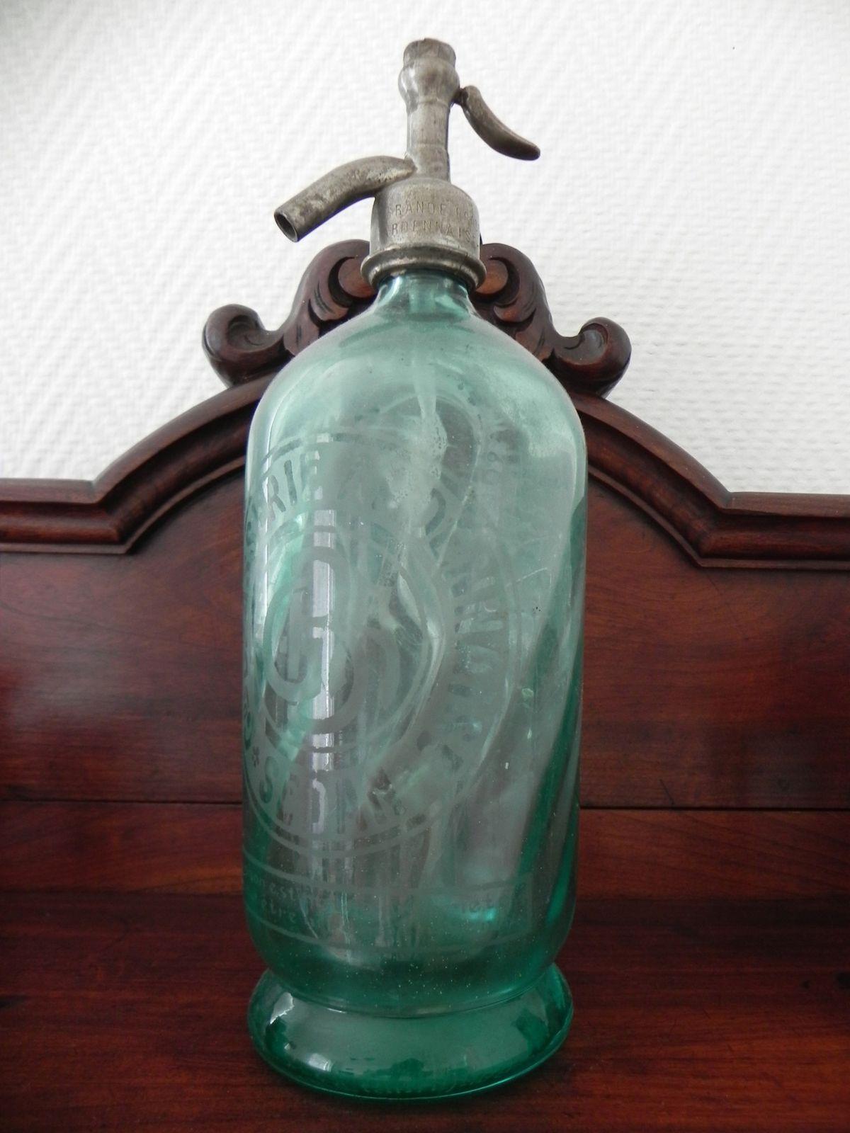 Syphon de bar ancien, avec l'inscription Brasserie Ardennaise.