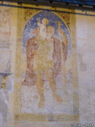 Les fresques à l'extérieur de l'église