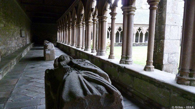 Le cloître de la cathédrale Saint Tugdual