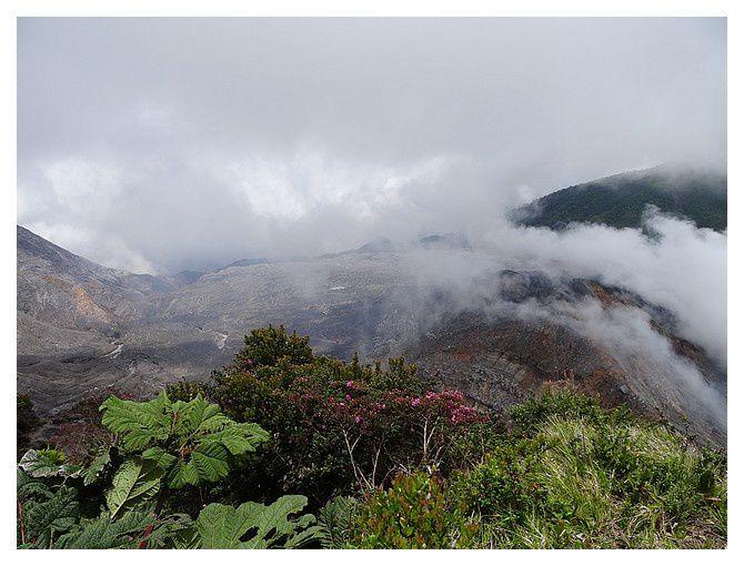 Costa-Rica : jour 2 : volcan Poas, Jardins de La Paz