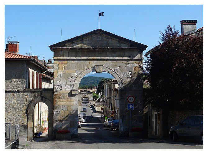 les 2 portes et le pont entre les deux