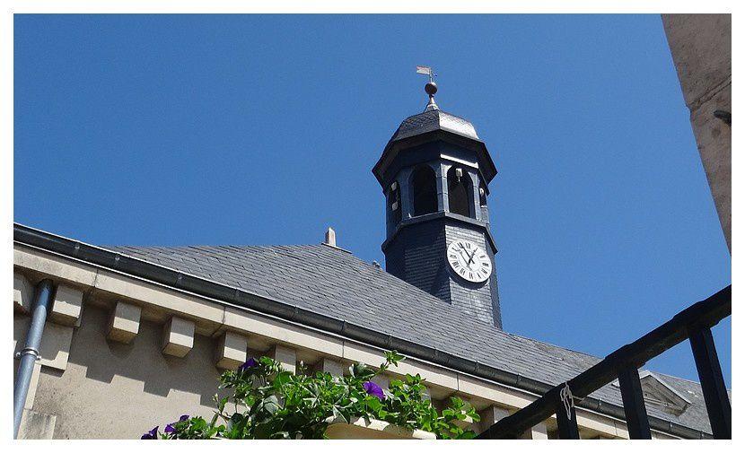 clocheton et horloge de l'hospice