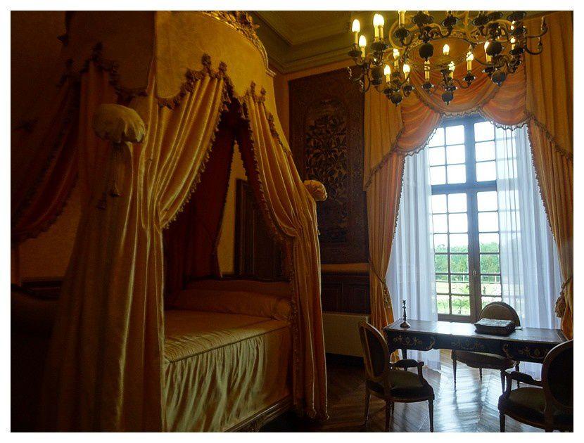 chambre de la tour carrée, lit à la polonaise de la fin XVIIIe Siècle