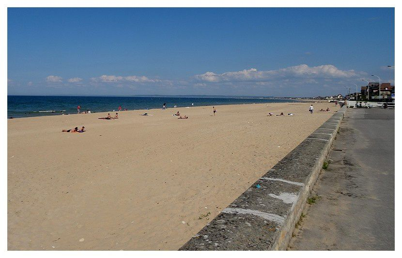 plage de sable, vers l'Est