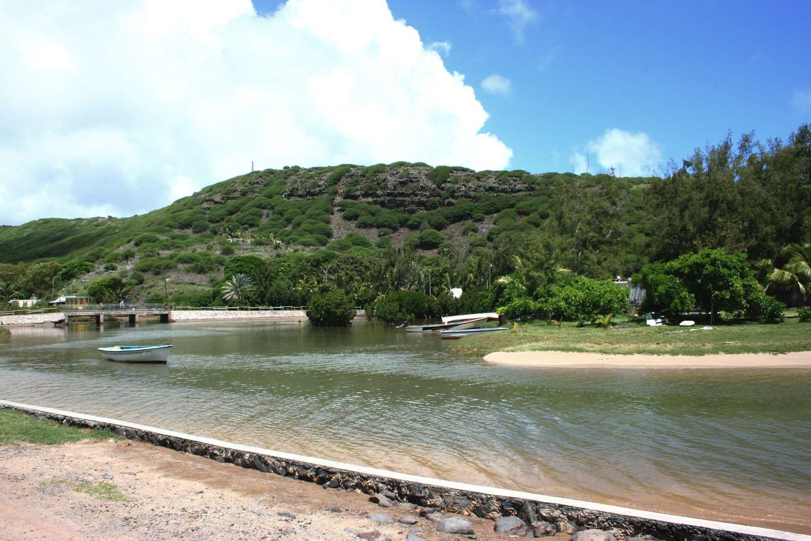 238 - L'île Rodrigues 04, balade de Grand-Baie à la pointe aux Cornes, Baladirou, Océan Indien, photos 2013 GeoMar
