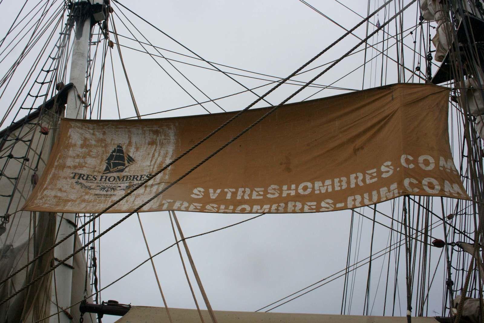 http://www.svtreshombres.com/ pour découvrir ses traversées et transports...