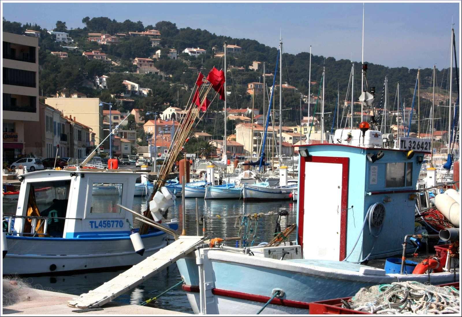 259 - La journée américaine à Saint Mandrier sur Mer, place des Résistants, port de plaisance et quai des pêcheurs,