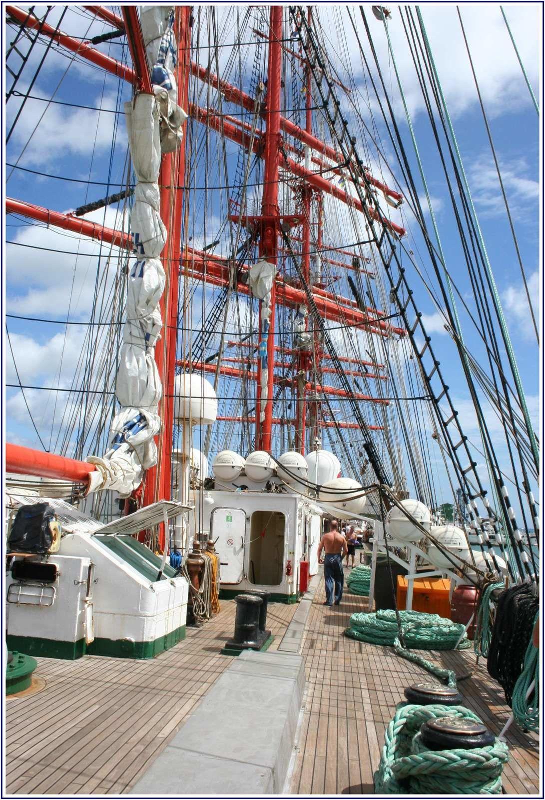 Quatre-mâts-barque SEDOV (Russe)