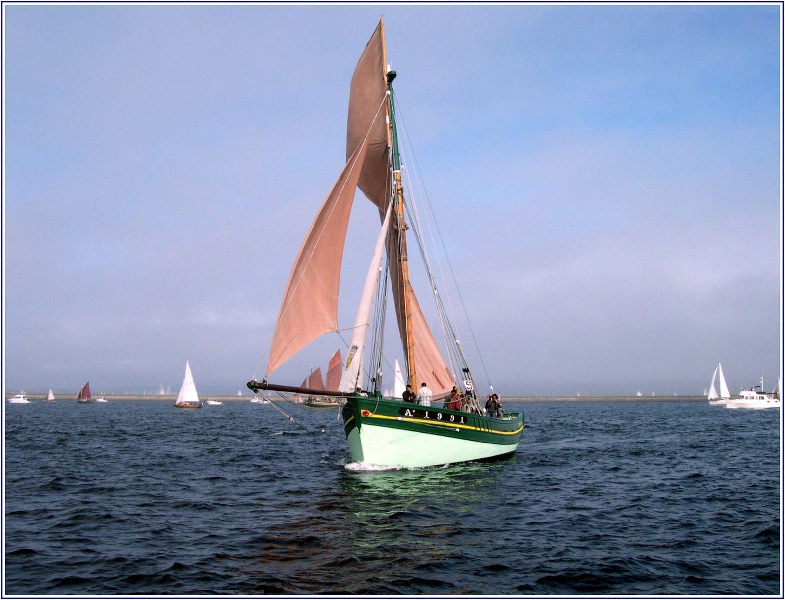 021s  Rencontres bateaux au fil de l'eau, 5ème, photos © GeoMar, CAP SIZUN, ALKYONE, CHRISTELLE MIKAEL, BELEM, SOLWEIG, SKREO OVNI 345, LA BARCAROLLE, SEDOV, LA RECOUVRANCE, SKELLIG, GRAYHOUND, SLOR 1918 de Johan Anker, CAT KER Garcia, MEANDER,