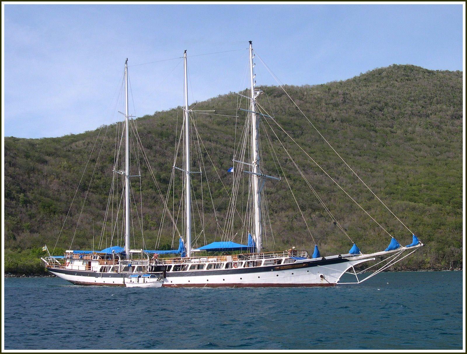 """Goélette à trois mats """"MANDALAY"""" Caraïbes 2005"""