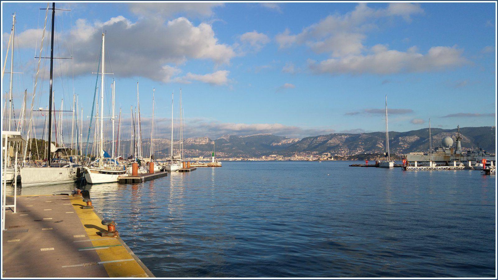 Port de plaisance de Saint-Mandrier-sur-Mer.