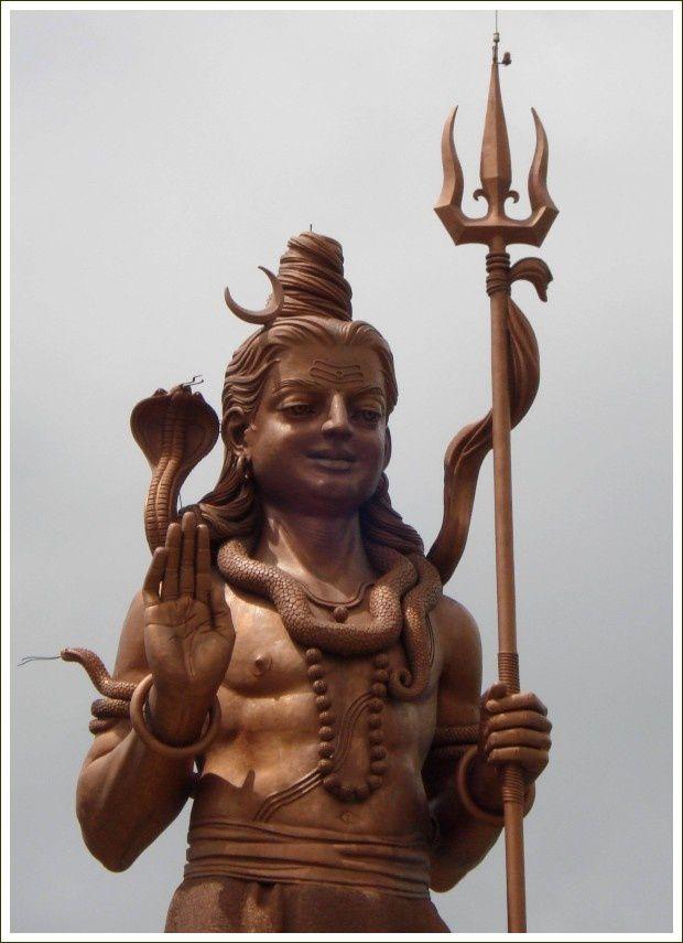 Shiva de Grand-Bassin.