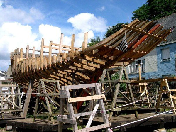 Skellig en construction