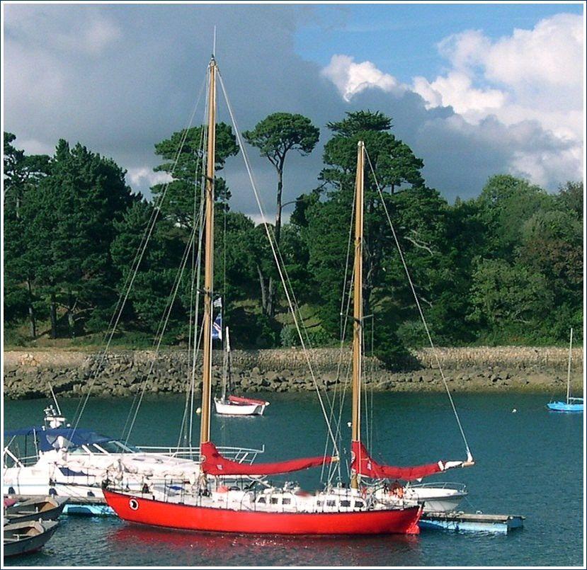 Joshua rénové, à Tréboul Douarnenez 2004 (Joshua est la propriété du musée maritime de La Rochelle)