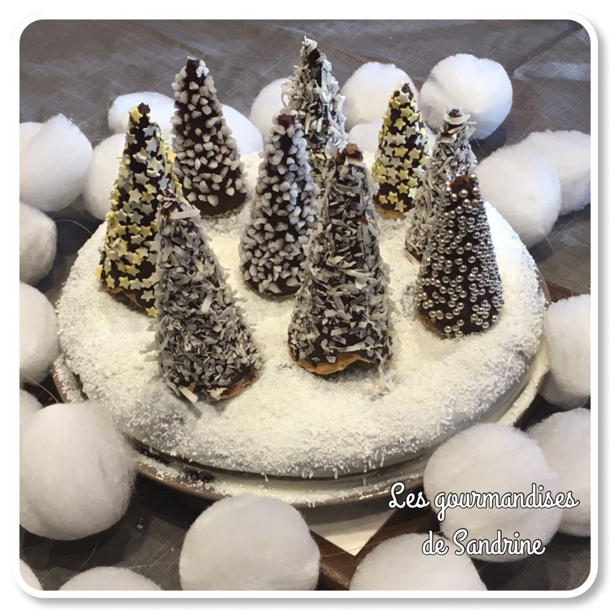{Mon beau sapin!} Gâteau fondant au chocolat et sa forêt de sapins enneigés