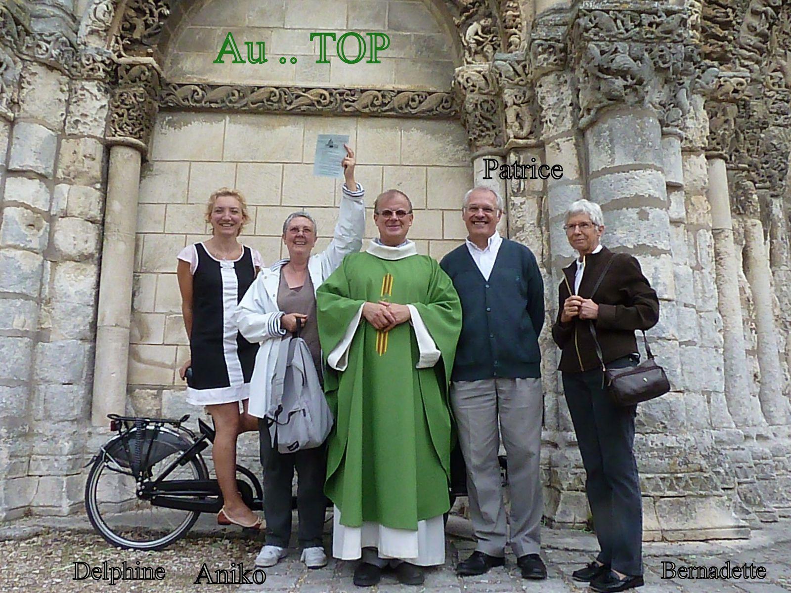 28 - Alzheimer.... pour ne pas oublier  ... aussi les aidants - Cognac et les ailes françaises - Top ... modèle paroissiale - Mère et fille, des humains sur les murs