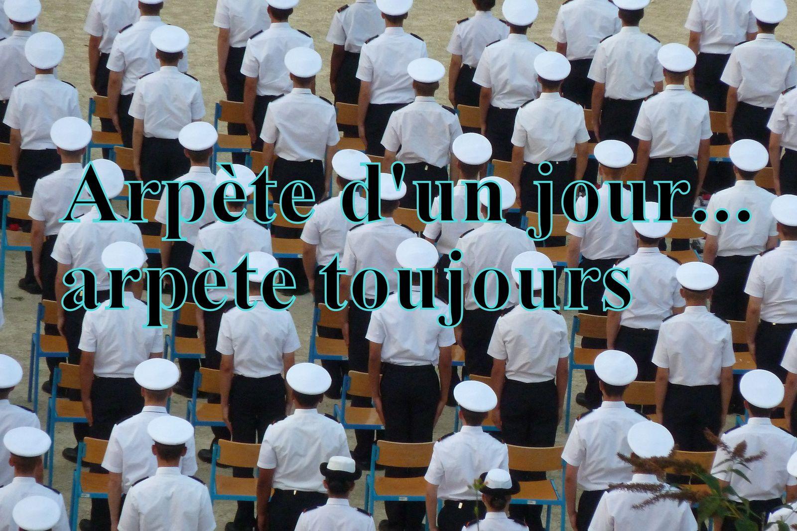 25 - Armée de l'air .. Prix d'excellence à Saintes - Police municipale et solidarité - Braderie ou croisière