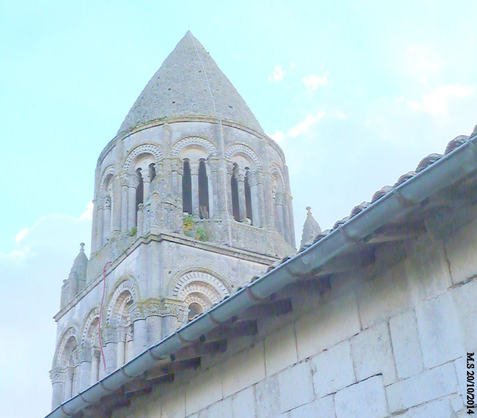 20 - De Saintes, de long en large et d'ailleurs - Effeuiller la marguerite avec..... Anne Bert - Abbaye en péril