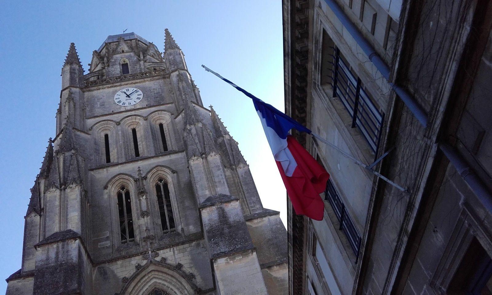 10 - E.R.E.A action socio-culturelle. La république malmenée.  La marque Toyota accueille Bordeaux-Saintes, via B.S.C.O