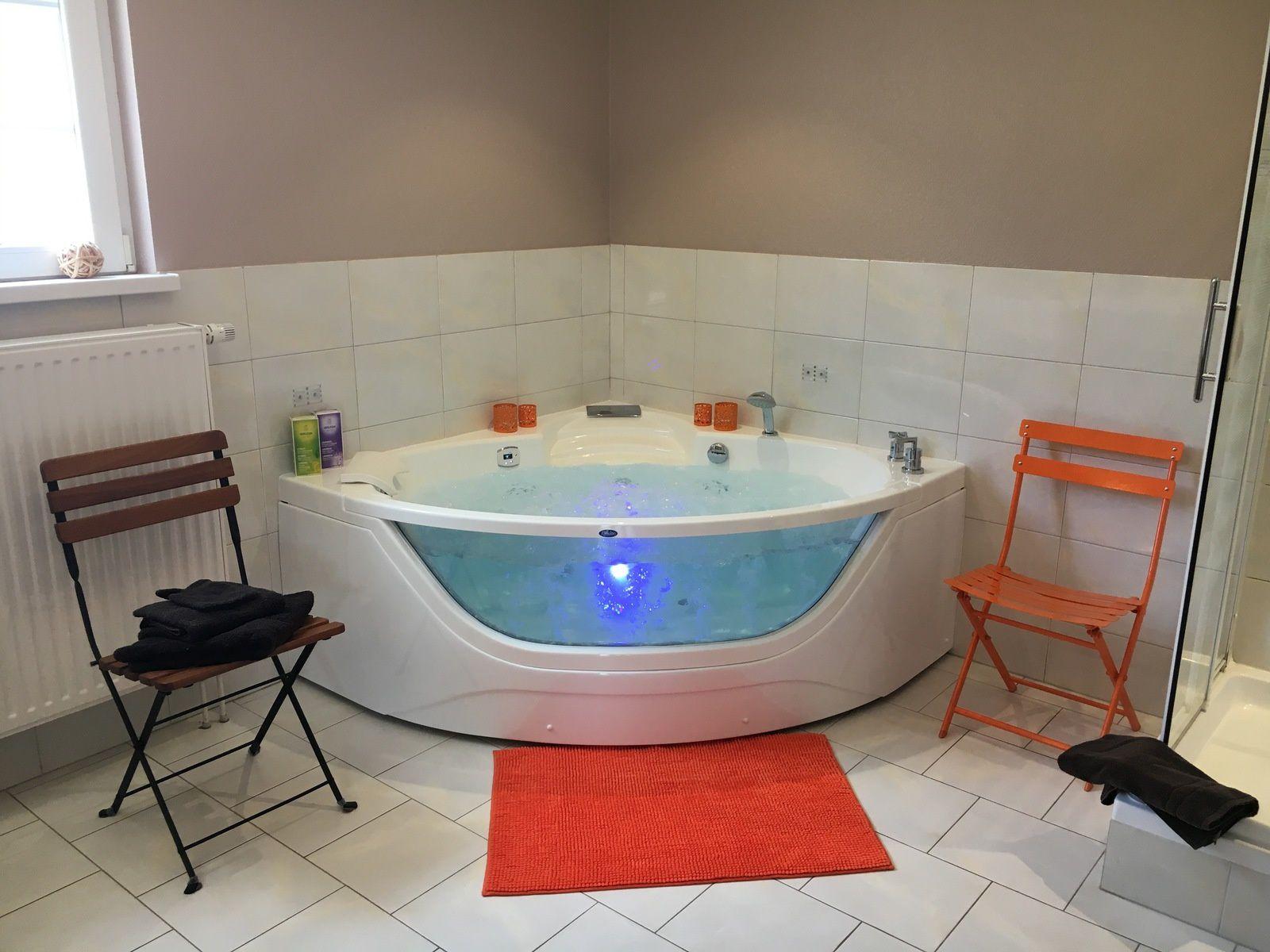 nouvelle baignoire balneo - jacuzzi....nouveauté 2017
