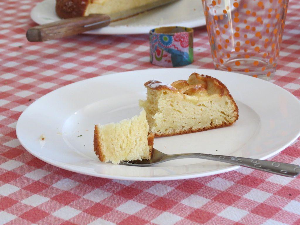 Gâteau aux pommes et aux petits suisses