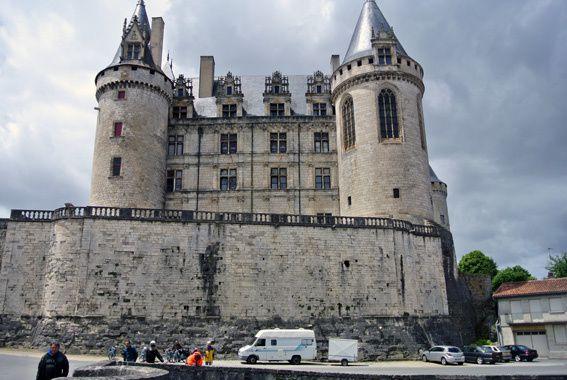 Nous prendrons notre pousse-café à La Rochefoucauld