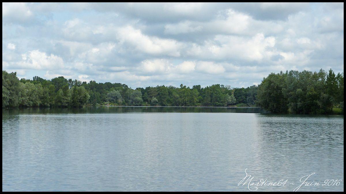 Au bord du lac de Laroin (64)