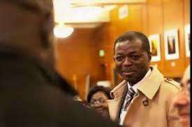 Gabon: Un Ministre satisfait de la démission de NDONG SIMA Pendant que les dernières retouches techniques du nouveau gouvernement sont en cours d'élaboration, un des Ministres sortant déclare être satisfait que Monsieur NDONG SIMA ait été virer par le Président ceci en récompense de son arrogance. Des mêmes sources indiquent que le même Ministre serait reconduit au Poste stratégique dans le nouveau gouvernement de ONA ONDO. Alors que le peuple et l'ensemble de la classe éducativent demande la démission et l'exclusion de Monsieur Moudounga. Qui peut il être ce super Ministre qui vire ndong sima? l'avenir nous le dira @Ratoto