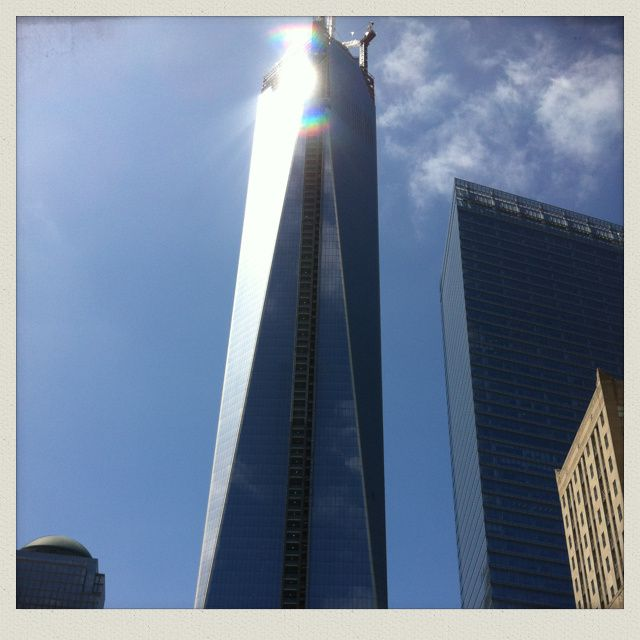 "Emotions : the "" One World Trade Center "" (541m)"