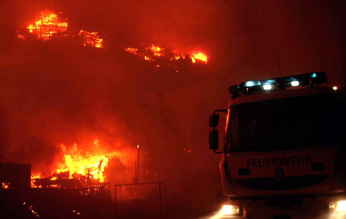 Chili : un gigantesque incendie fait au moins seize morts à Valparaiso ( Le Monde.fr)