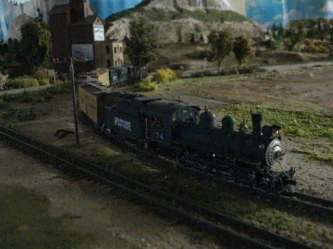 La dernière photo représente la gare de Durango à la tombée de la nuit.