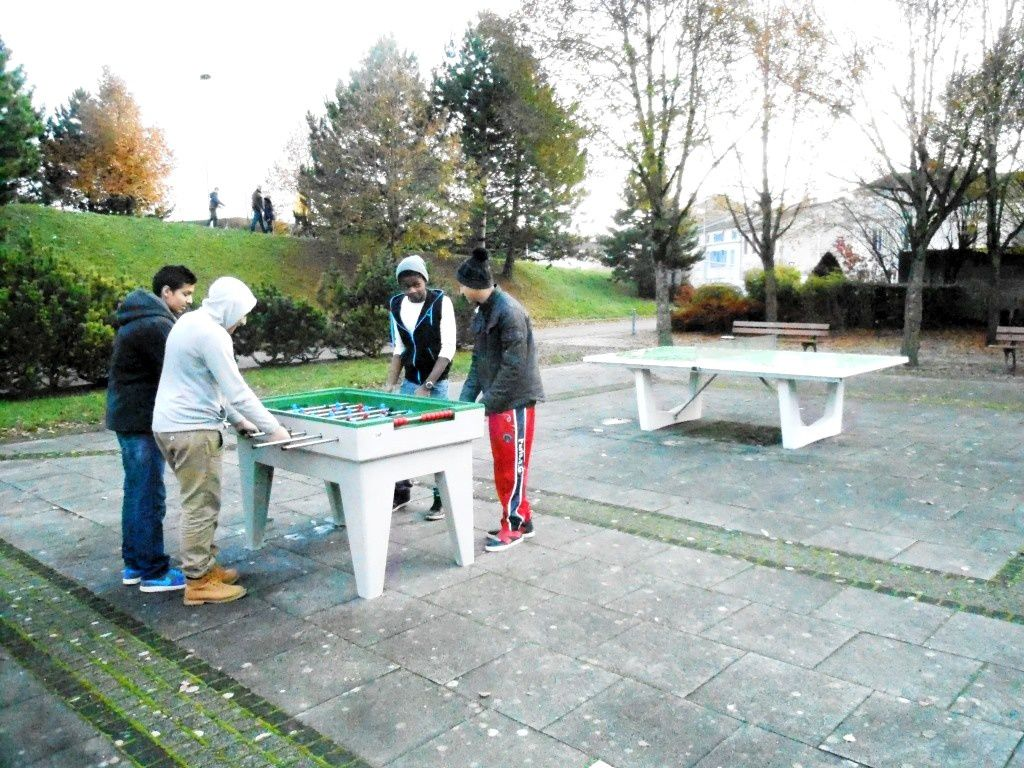 Tennis de table &amp&#x3B; babyfoot au jardin public