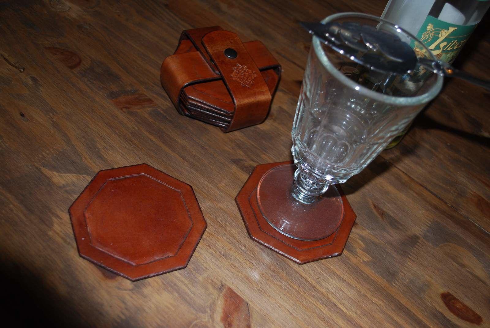 des sous verres sur mesure kachiic cr ations les cuirs. Black Bedroom Furniture Sets. Home Design Ideas