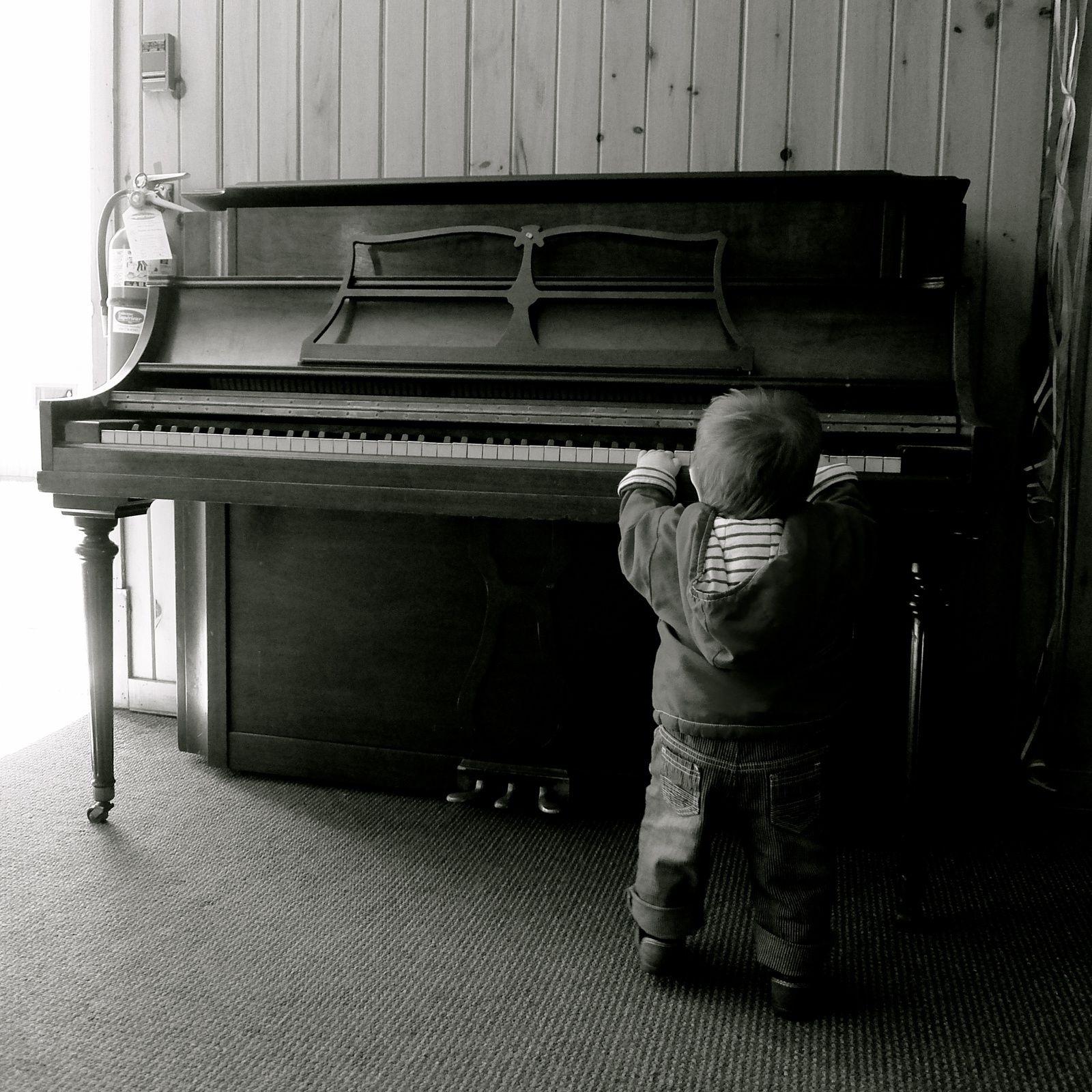 JO QUI FAIT DU PIANO