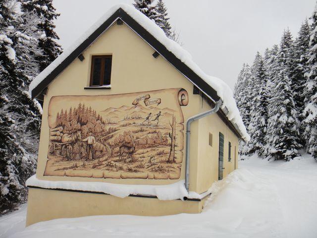 Belle peinture murale le long de la piste de la Grande Grand.