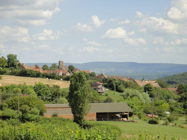 Petit village de Culles les Roches.