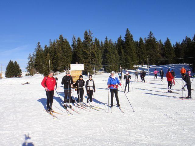 Petit groupe au départ, un skieur a la gentilesse de prendre la photo.