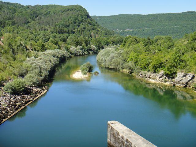L'Ain depuis le barrage du Coiselet.