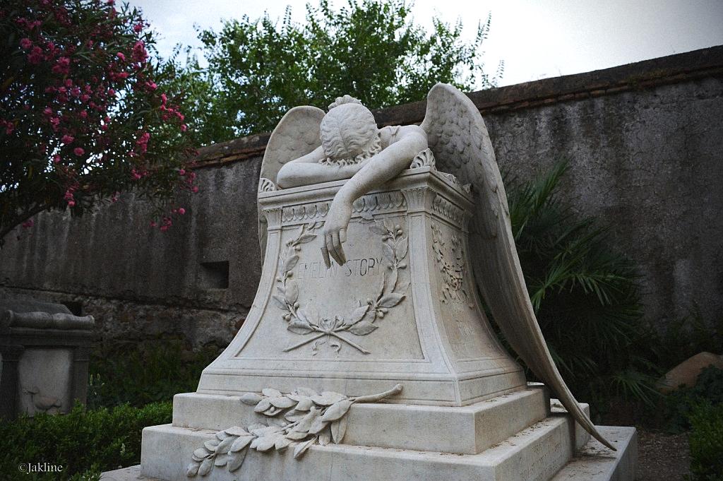 Promenade au cimetière.....