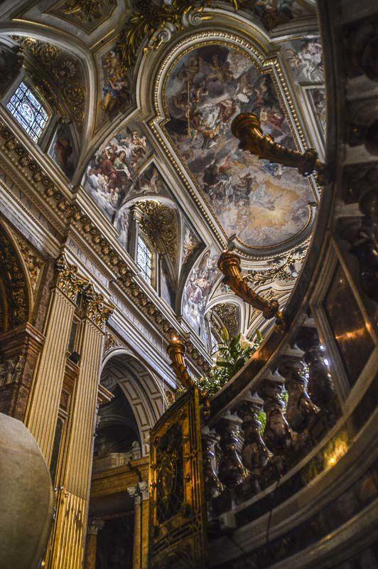 Basilique des Saints  Apotres Rome