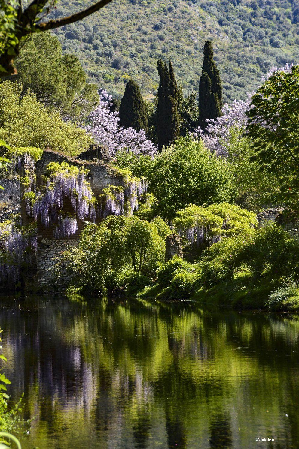 Ninfa, le printemps, la beauté..