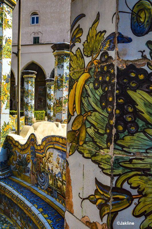Le cloitre de Santa Chiara à Naples
