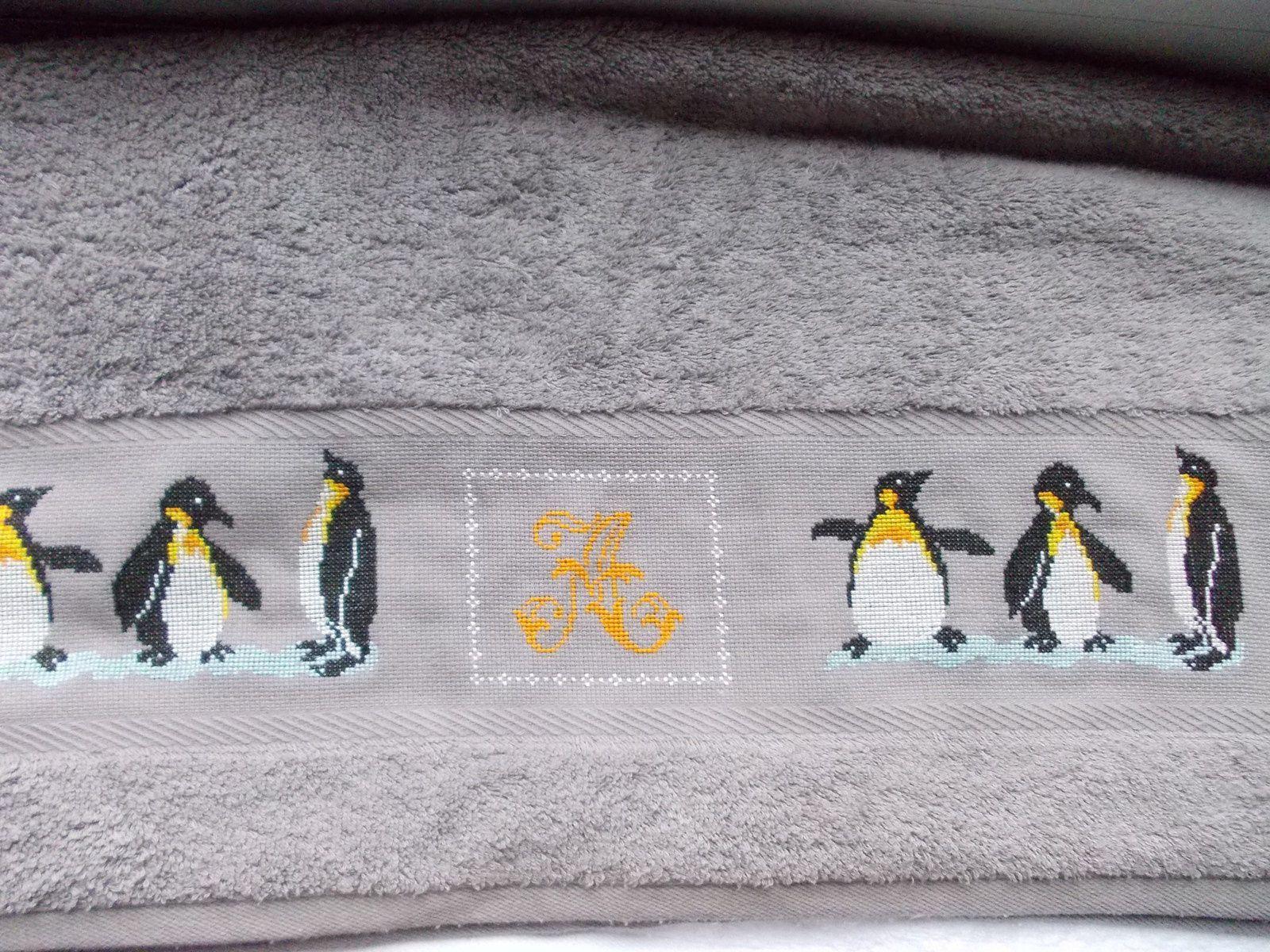 Drap de bain pour Alban - il a choisi des pingouins