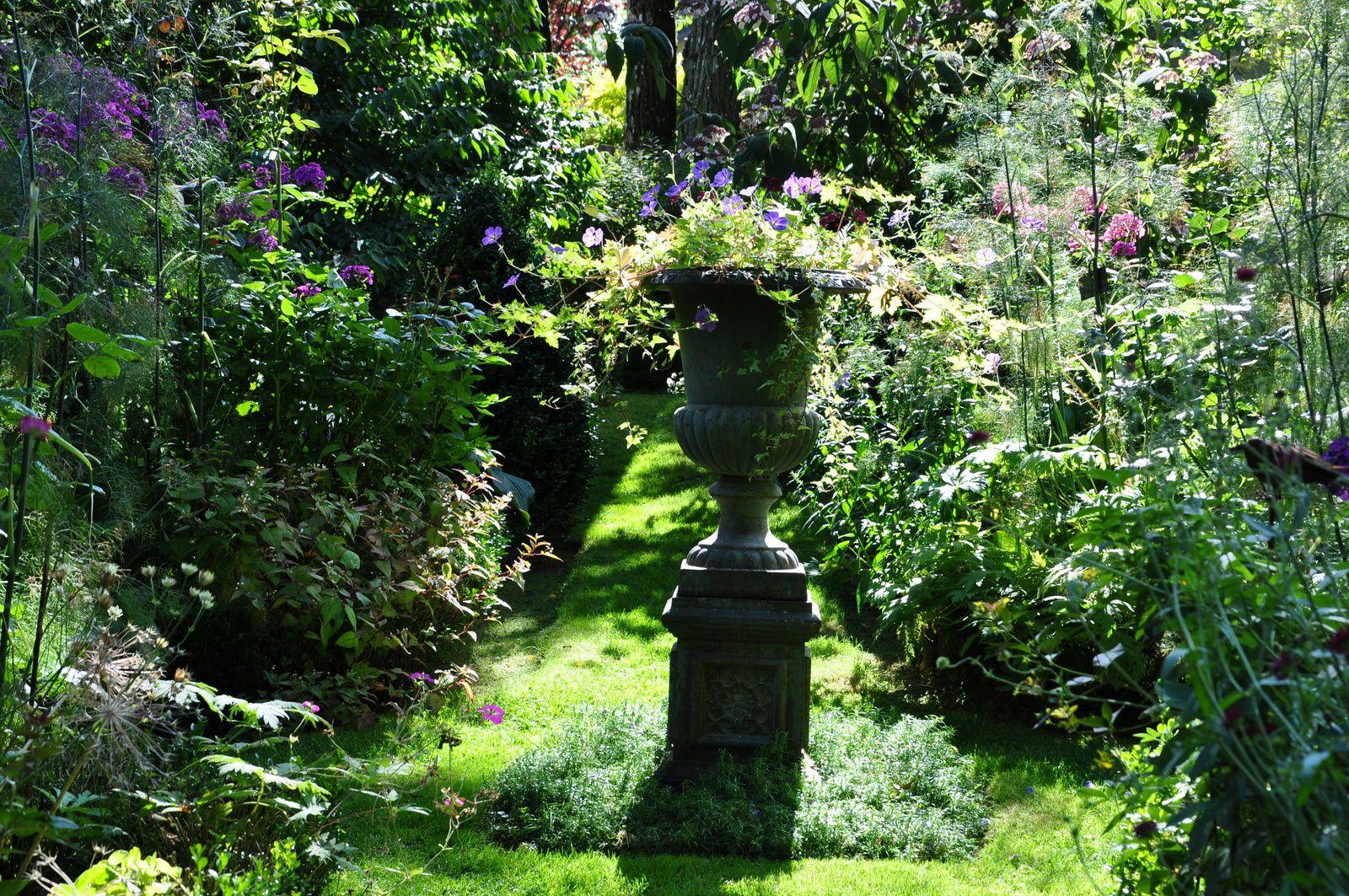 Le jardin Retiré, écrin romantique au coeur de la ville