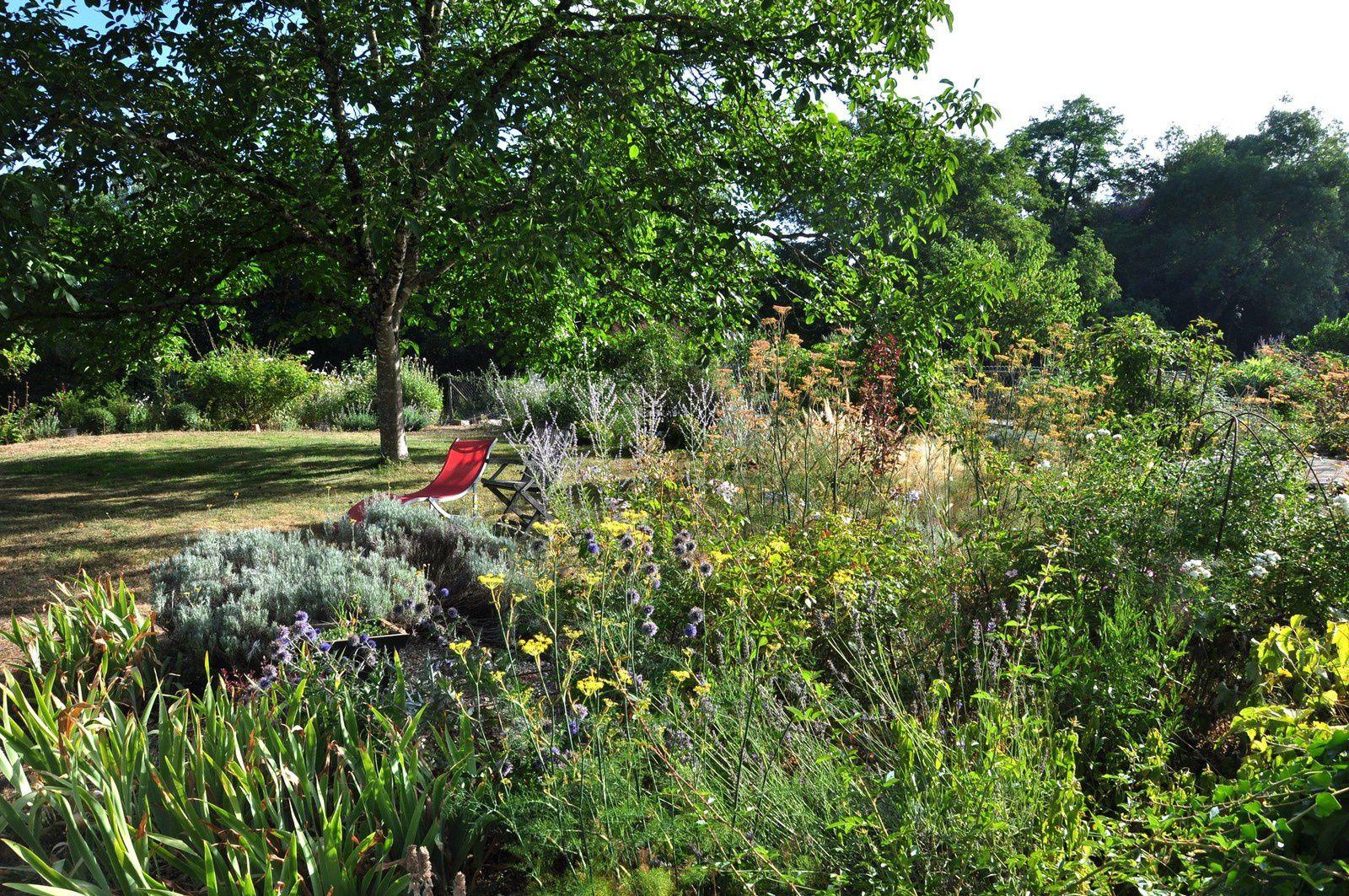 Un jardin qui n'a pas à rougir, c'est celui de Rouge Cabane
