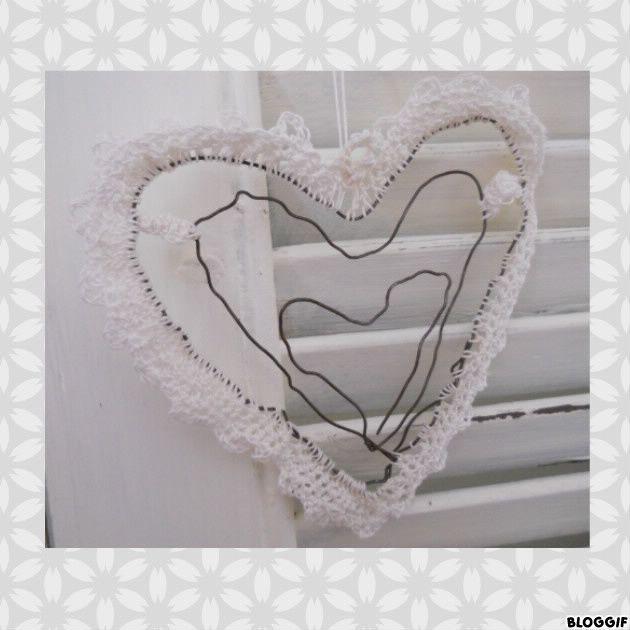 coeur en fil de fer et crochet